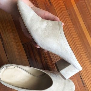 Everlane Italian suede taupe day mule size 8